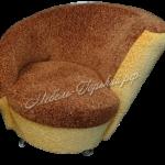 кресло круглое коричнево-желтое